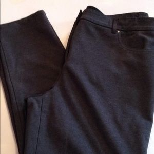 So Slimming by Chicos 2 short